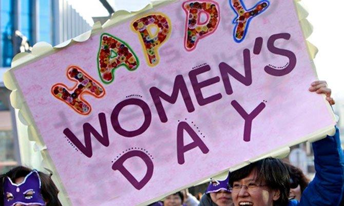Diễu hành mừng ngày quốc tế phụ nữ